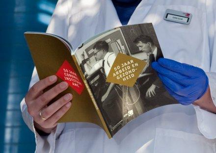 Stroomberg – omslag, 50 jaar arbeid en gezondheid, Coronel Instituut